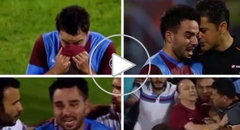 لقطة مؤثرة للاعب تركي يبكي بسبب شتم مشجع والدته المتوفاة