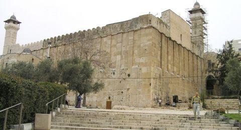 أبو ردينة تعقيبا على اقتحام نتنياهو لمدينة للخليل: ستبقى المقدسات فلسطينية عربية إلى الأبد