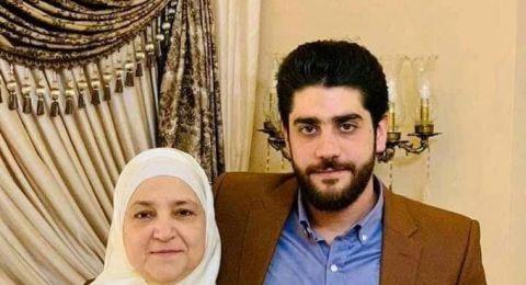 مصر.. شاهد لحظة خروج جثمان نجل مرسي بعد تشريحه