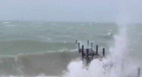إعصار دوريان يقترب من فلوريدا ويسبب دمارا واسعا بالباهاما
