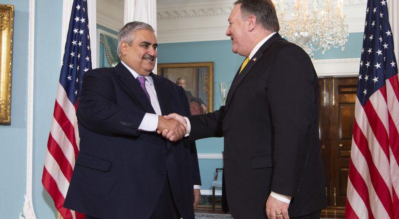 وزير الخارجية البحريني ينتقد هجوم حزب الله على إسرائيل