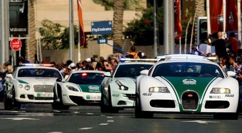 مواطن من دبي فاز بسيارة