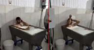 عامل تركي يستحم بالحليب في مصنع ألبان في بلاده