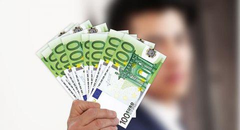 لماذا الاستثمار في اليورو مربح أكثر من الاستثمار في الدولار؟