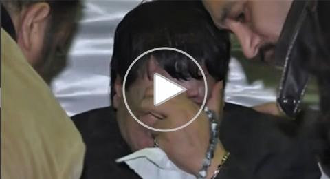 عدوية يواسي شعبولا في جنازة زوجته
