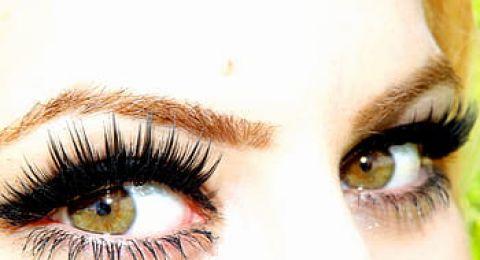 طريقة رسم العين بالأيلاينر... لنظرة محددة