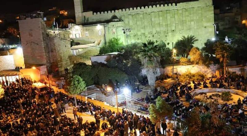آلاف المصلين يؤدون صلاة الفجر في الحرم الابراهيمي الشريف Bb071a91f04-4209-432a-955f-24a095a669dd