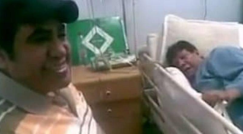 أحمد عدوية يغني لشعبان عبد الرحيم في آخر ظهور له داخل غرفة العناية
