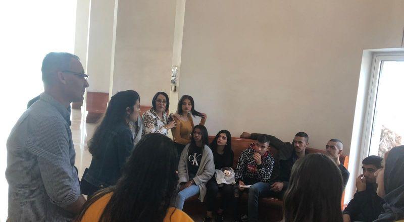 طلاب مدرسة أورط حلمي الشافعي عكا يشتركون في يوم تعليمي بمحكمة العدل العليا بالقدس