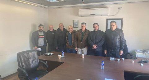 رئيس مجلس الرينة يجتمع مع ممثلين عن القائمة المشتركة