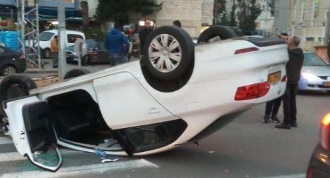 سخنين: اصابة خطيرة و4 اصابات اخرى في حادث انقلاب سيارة