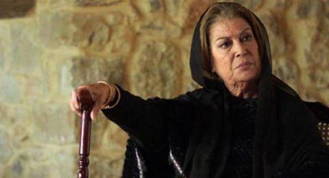 منى واصف محرومة من ابنها عمار.. وتعيش الوحدة على طريقتها!