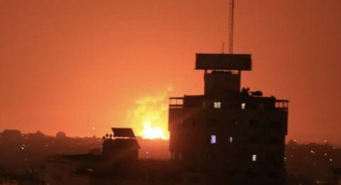 ليلة عنيفة من القصف الاسرائيلي شهدها قطاع غزة