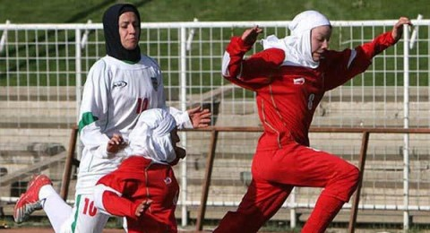 اتحاد كرة القدم الدولي يسمح بارتداء الحجاب والعمامة