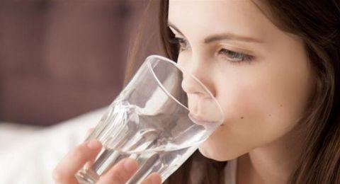 5 علامات لا تتوقعها لجفاف الجسم.. تجنبها