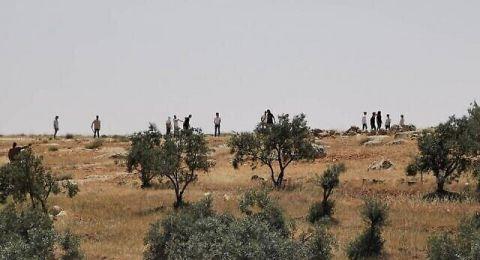 مستوطنون يرشقون مركبات الفلسطينيين بالحجارة على طريق نابلس ورام الله