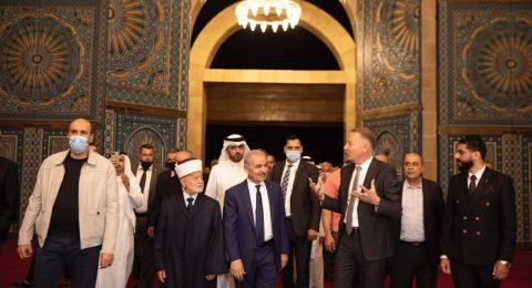 رئيس الوزراء الفلسطيني ومفتي القدس وبشار المصري يفتتحون جامع قطر في مدينة روابي