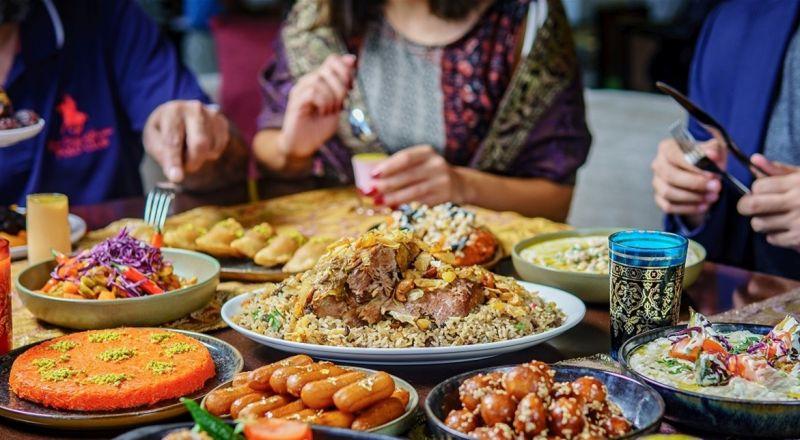 كنيسة تستضيف المسلمين في إفطار رمضان