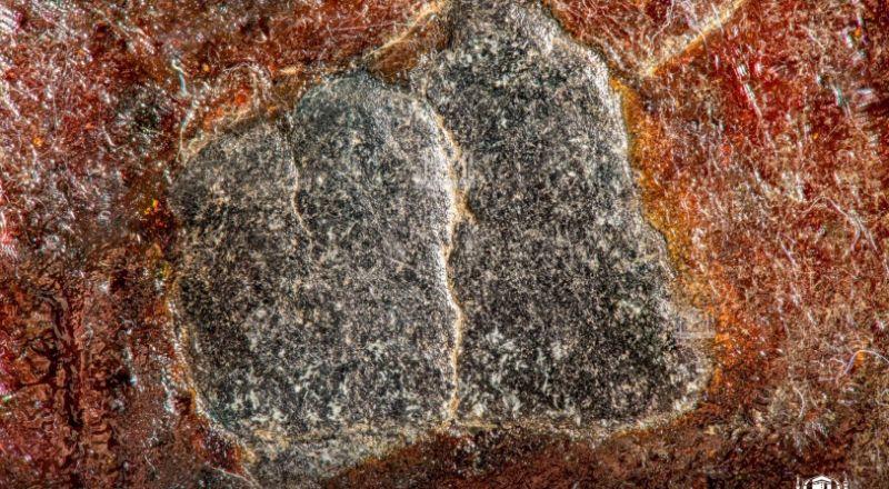 الحجر الأسود بتقنية