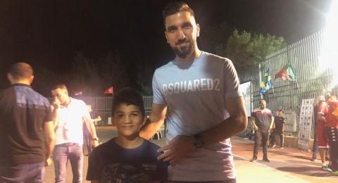 النجم مؤنس دبور ضيف اختتام دوري رمضان لكرة القدم في ام الفحم