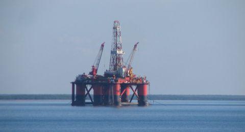 النفط يصعد بفعل تصريحات سعودية