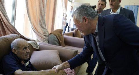 الأردن: الملك يفاجئ مسنين