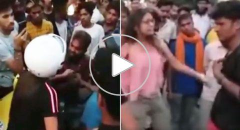 الهند: فتاة تصفع شاب بالحذاء على وجهه بعد تحرشه بها