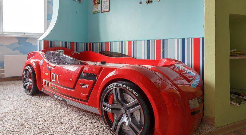 غرف نوم اطفال بعناصر عبارة عن شخصيات كرتونية