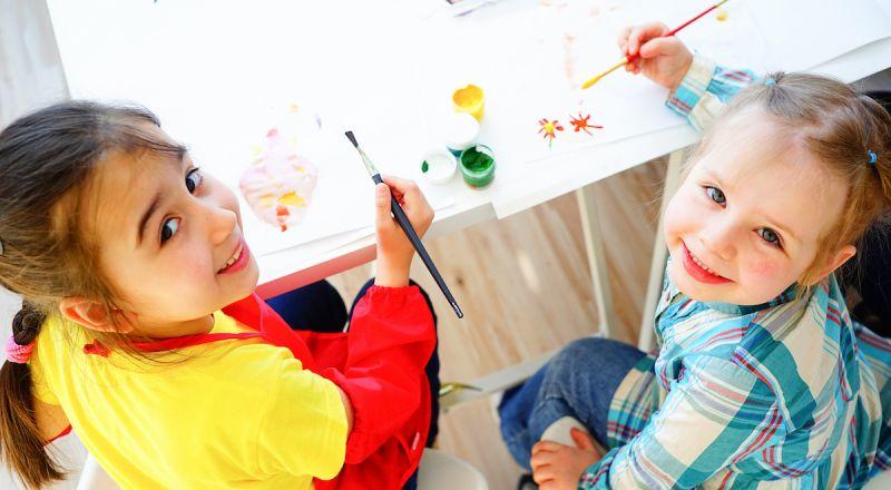 منظّمة كل الحق تعرض للأهالي كافة المعلومات والمساعدات فيما يخص تسجيل أبنائهم في الحضانات