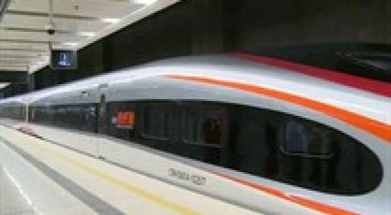 الصين تكشف عن قطار يفوق سرعة الطائرة