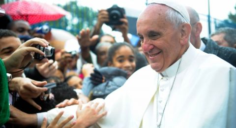 البابا فرنسيس: نصلي كي يتمكن لبنان من مواجهة هذه المرحلة المأساوية والأليمة