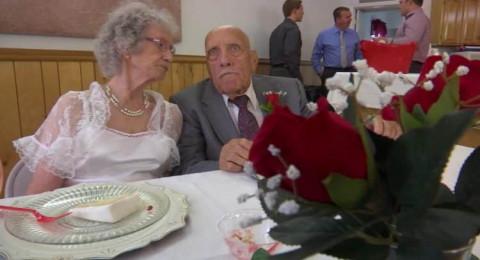 رجل بعمر 95 عاماً يتزوج عروساً في الـ81 من عمرها