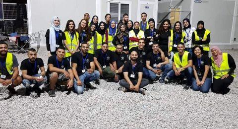 فلسطينيّون في اليونان لمساعدة اللاجئين وإغاثتهم