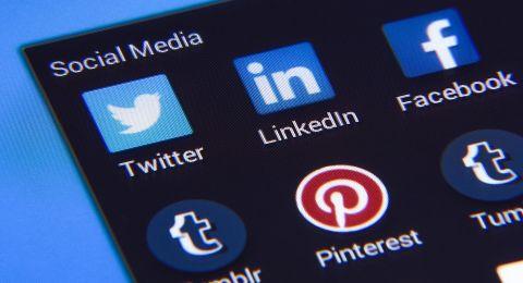 ما سر اللون الأزرق في شعارات شركات التكنولوجيا؟