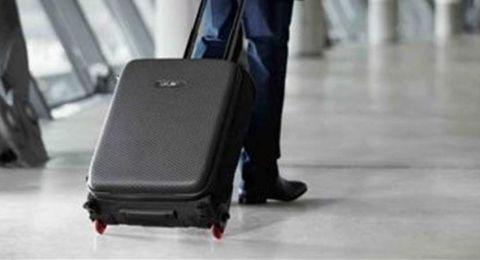 فنان مصري يفقد حقيبة سفره..