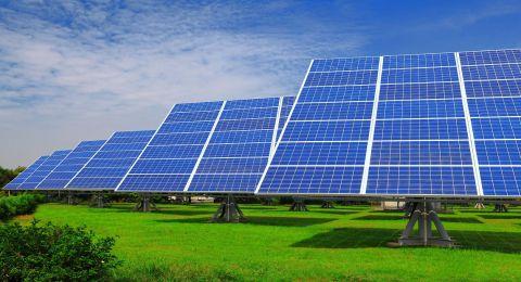 العلماء يطورون تقنيات جديدة لألواح الطاقة الشمسية