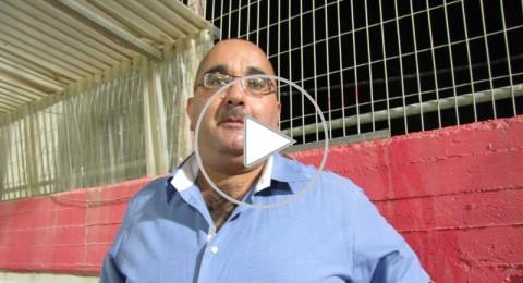 جلال صفدي مفتش في وزارة المعارف ومشجع في الملاعب