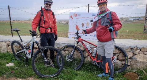 دعما للنساء الناجيات من العنف... ممثل صندوق الامم المتحدة للسكان يقطع مسافة 294 كم على الدراجة الهوائية