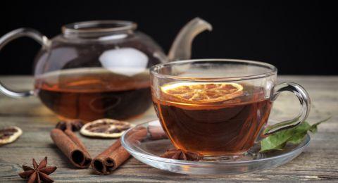 7 مواد تضاف إلى الشاي وتزيد من فائدته للجسم