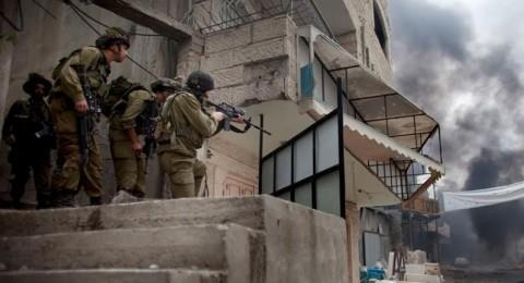 إصابة شاب بعيار ناري في مواجهات مع قوات الاحتلال بمخيم الدهيشة