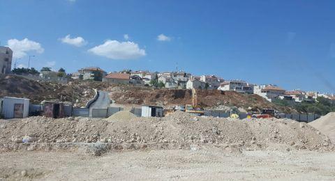 اسرائيل تنوي مصادرة اراضي في بلدة ابوديس لاستئناف العمل في شارع الطوق