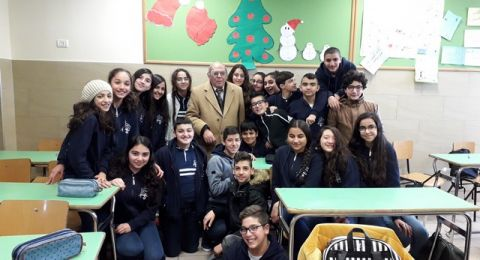 الشاعر سيمون عيلوطي يحاضر في مدرسة الفرنسيسكان في الناصرة