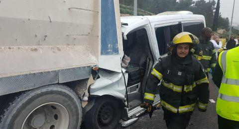 تخليص عالقين جرّاء حادث طرق مروع على شارع 38 في منطقة القدس