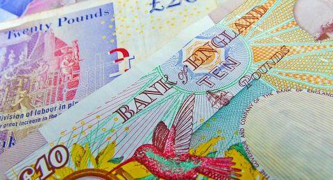 بسبب خطأ مصرفي.. شاب بريطاني يتحول الى مليونير