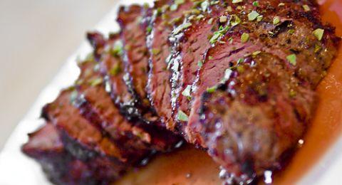 ستيك لحم بالصوص