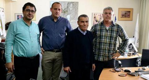 رئيس بستان المرج عبد الكريم زعبي يلتقي بسلطة أراضي أسرائيل للتسريع من تسويق الأراضي