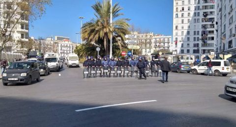 الجزائر: مظاهرات حاشدة في الجمعة الثالثة ضد استمرار بوتفليقة والنظام