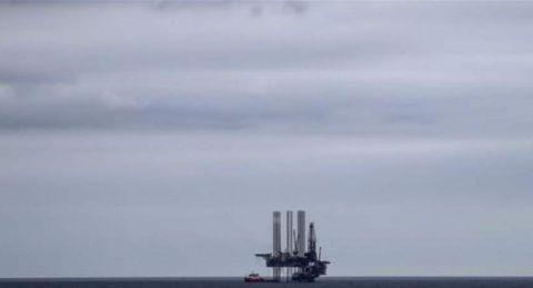 أسعار النفط تهبط وسط قتامة الآفاق الاقتصادية وزيادة الإنتاج الأمريكي