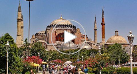 آيا صوفيا، صرح معماري عريق يجمع بين كنيسة ومسجد