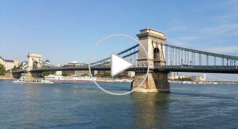 جسر السلسة، صرح معماري بارز في بودابست